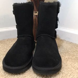 Koolaburra by UGG Victoria Short Boots